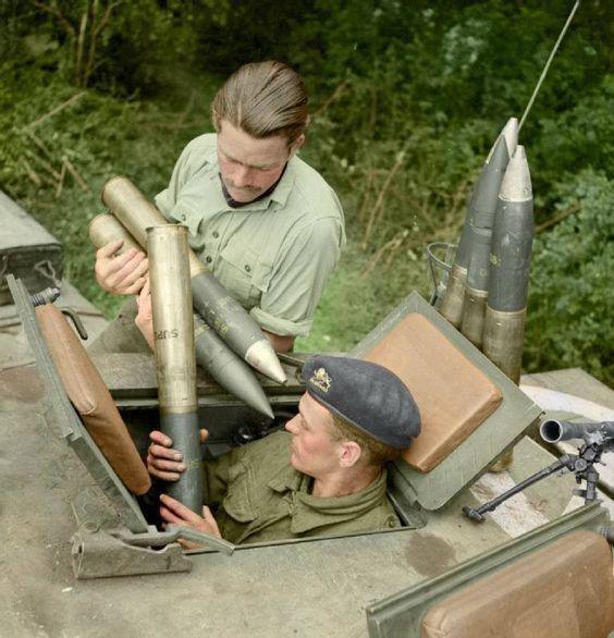 Approvisionnement en munitions (17 juillet 1944)