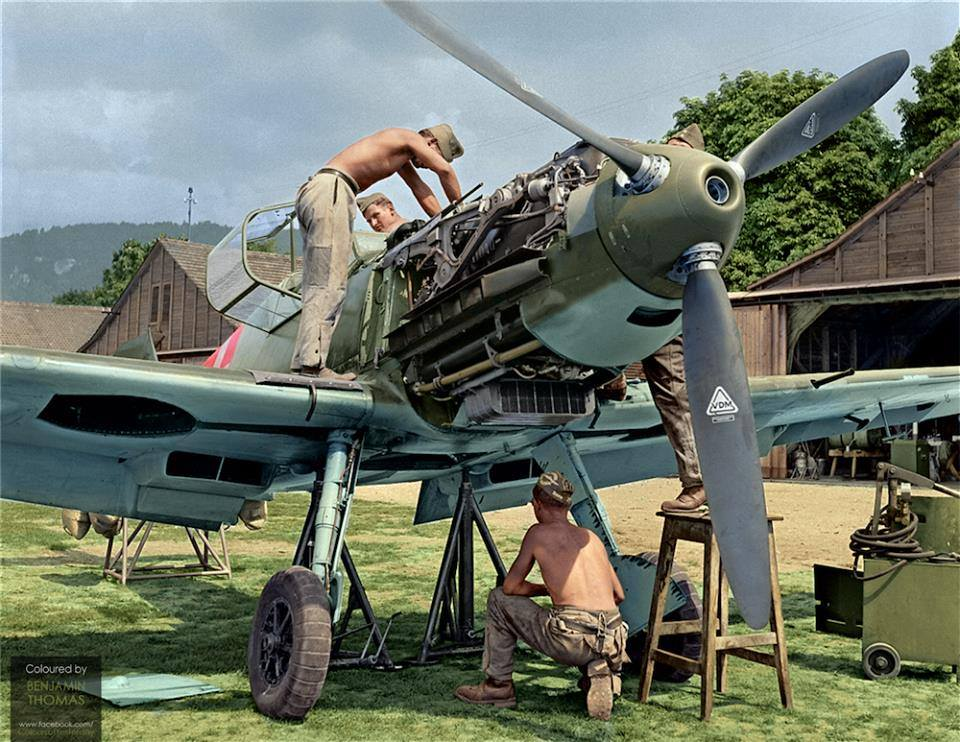 Photos colorisées d'avions 1940