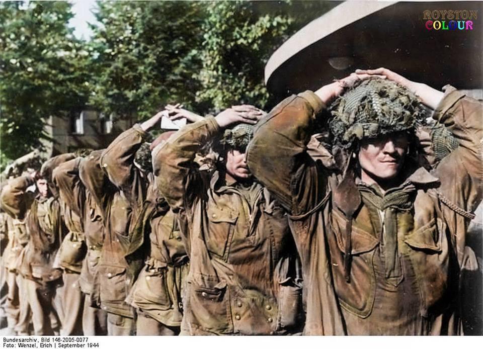 Soldats anglais prisonniers (septembre 1944)