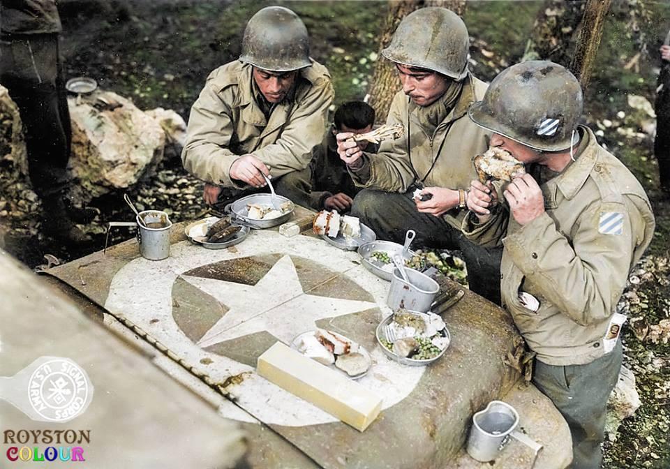Photos colorisées d'infanterie 1943
