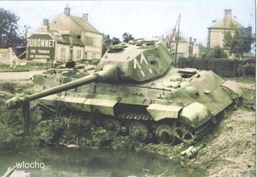Tigre Royal avec tourelle Porsche (17 août 1944)