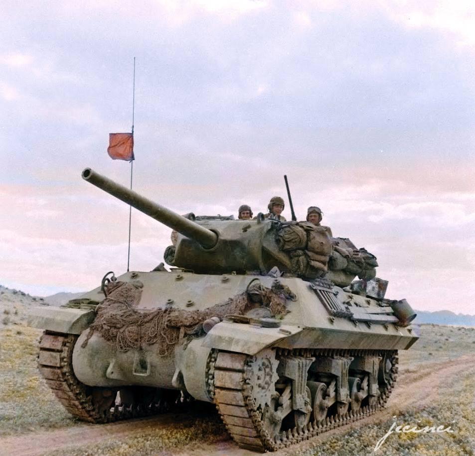 Photos colorisées de chars 1943