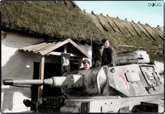 Photos colorisées de chars 1942