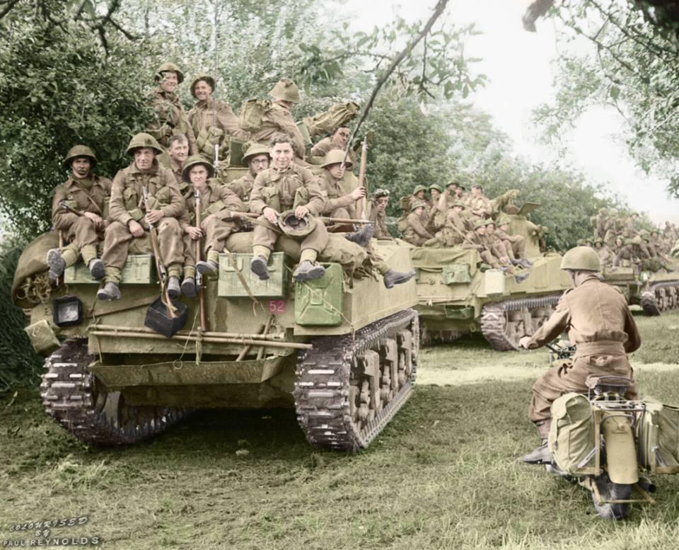 Sherman Britannique transportant de l'infanterie (18 juillet 1944)