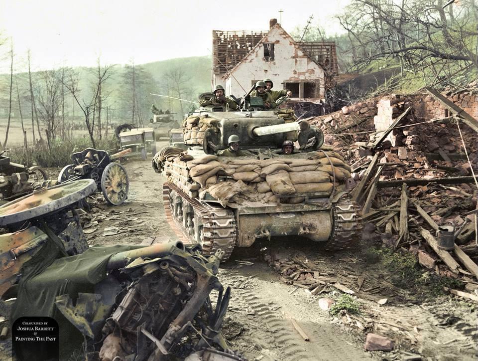 Sherman M4A1 sur une route allemande (23 mars 1945)