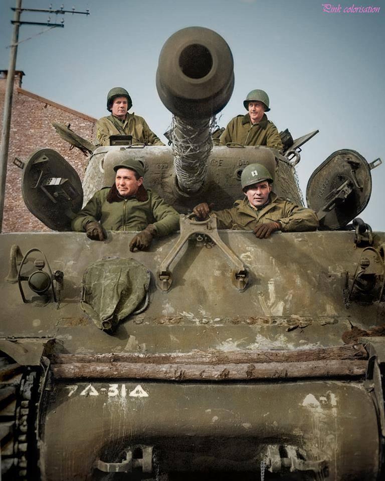 Sherman M4A3 (76) en attente (23 février 1945)
