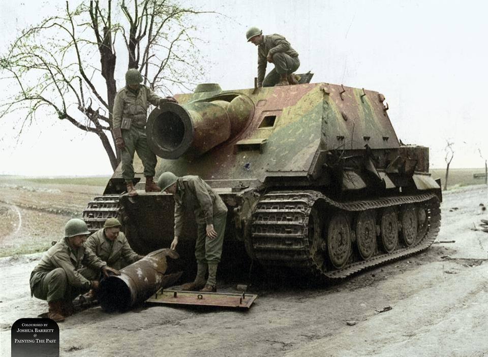 Sturmtiger à l'abandon (avril 1945)
