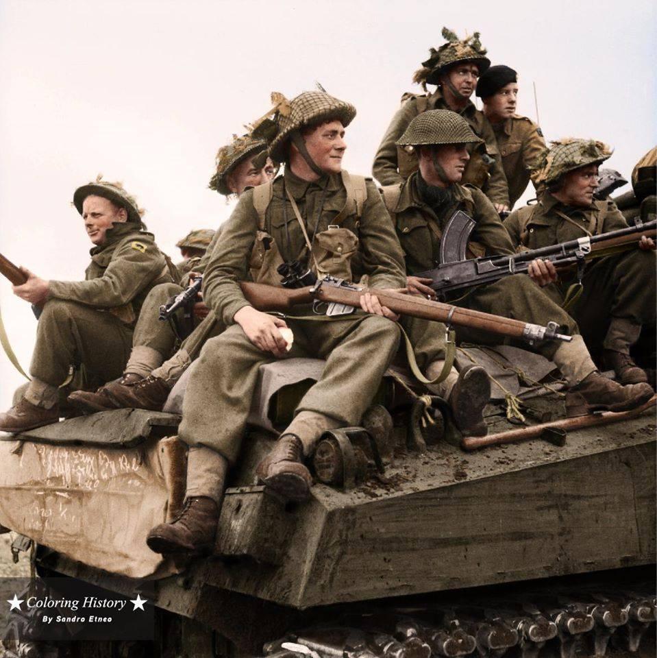 Britanniques sur un Sherman (24 septembre 1944)