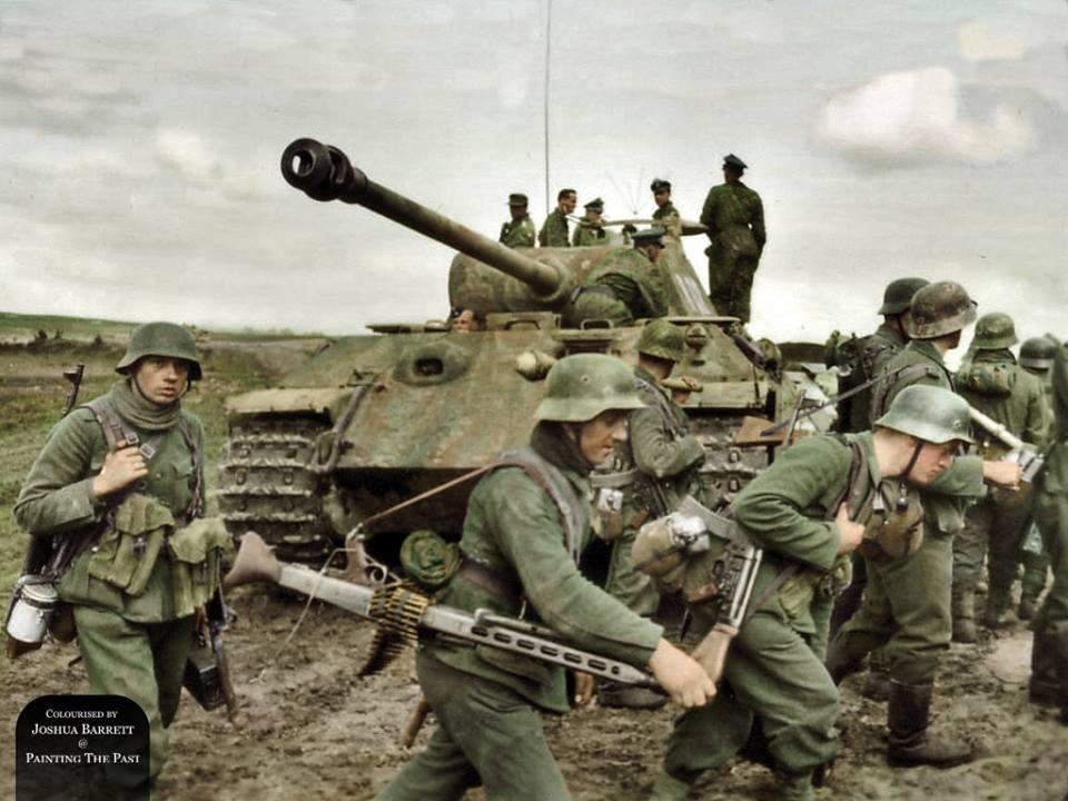 Panther avec infanterie allemande (6 avril 1944)